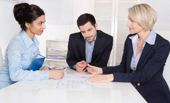 Elegir asesor: pon tu negocio en manos de profesionales